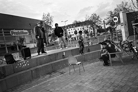 Killa Calles, Kiefernstrasse, AK47