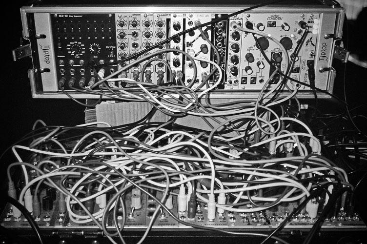 Salon de Amateurs, electronic music
