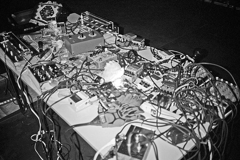 Salon des Amateurs, electronic music
