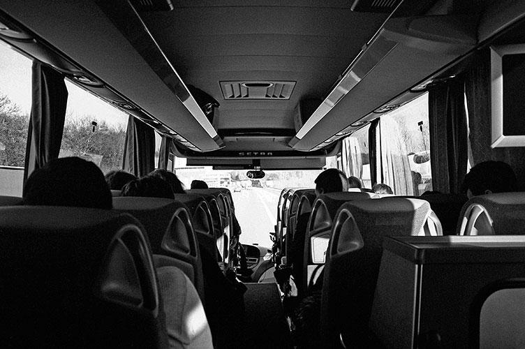 bus, analog, s/w, schwarz-weiss, b/w, black and white, Contax T3