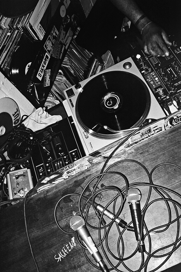 Stecken, Dj Dez, Dj Houseshoes, I Love Wax, analog, s/w, schwarz-weiss, b/w, black and white, Contax T3