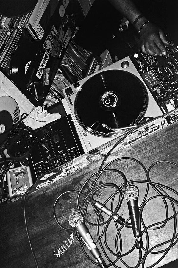 Stecken, Dj Dez, Dj Houseshoes, I Love Wax, analog, s/w, schwarz-weiss, b/w, black and white, Contax T3