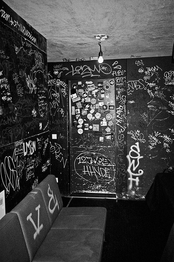 CBE, Club Bahnhof Ehrenfeld, analog, s/w, schwarz-weiss, b/w, black and white, Contax T3