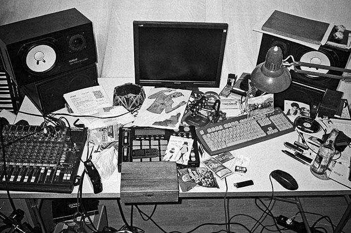 Twit one, Twit uno, Tito Wun, analog, s/w, schwarz-weiss, b/w, black and white, Contax T3