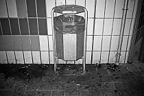R2D2, trash, analog, s/w, schwarz-weiss, b/w, black and white, Contax T3