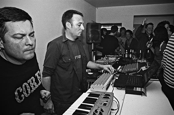 Swimmingpool, combination records, Salon des Amateurs, Düsseldorf, Düsseldorf Electronic, Analog, Schiko, FotoSchiko, Foto Schiko, s/w, b/w, schwarz-weiß, black and white