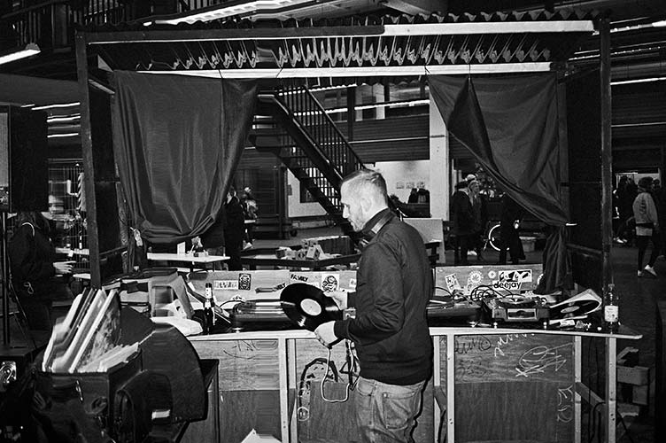 analoge Photography, Contax T3, Yeah Yeah, Grand Central, Alte Post Düsseldorf, Düsseldorf, Thek, ZackBum, TMax400