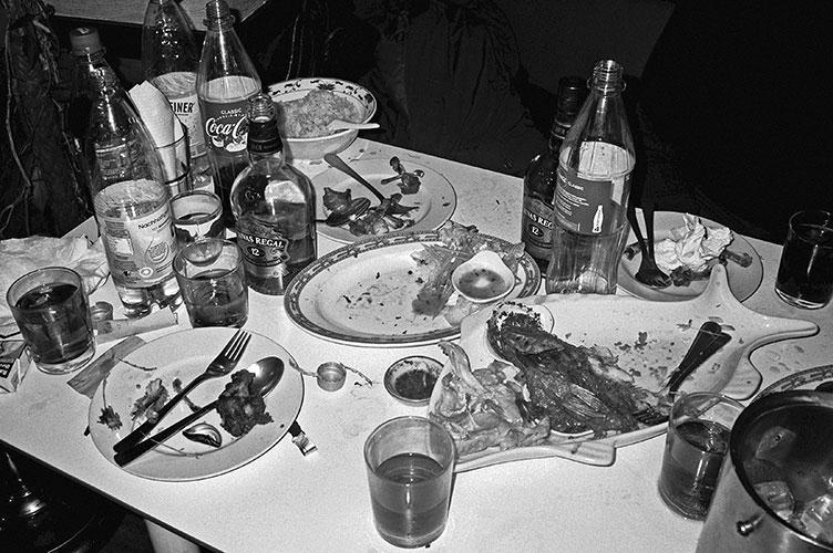 thai, tai, thai restaurant, düsseldorf, analogphotography, analogfotografie, analog, Leica, Leica minilux, bw, black and white, schwarzweiss, sw, Kodak Tmax400, Kodak Tmax 400, filmfeed, analogfeed, analogblog, analogphotoblog, analogfotoblog, point and