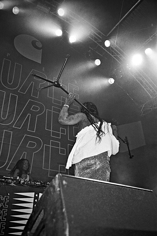 dj bambii, bambii, new york dj, analogphotography, analogfotografie, analog, mykki blanco, open source festival, bw, black and white, schwarzweiss, sw, Kodak Tmax400, Kodak Tmax 400, filmfeed, analogfeed, analogblog, analogphotoblog, analogfotoblog, point