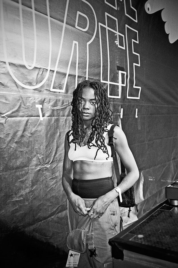 #djbambii, #bambii, dj bambii, new york rap, new york dj, analogphotography, analogfotografie, analog, mykki blanco, open source festival, bw, black and white, schwarzweiss, sw, Kodak Tmax400, Kodak Tmax 400, filmfeed, analogfeed, analogblog, analogphotob