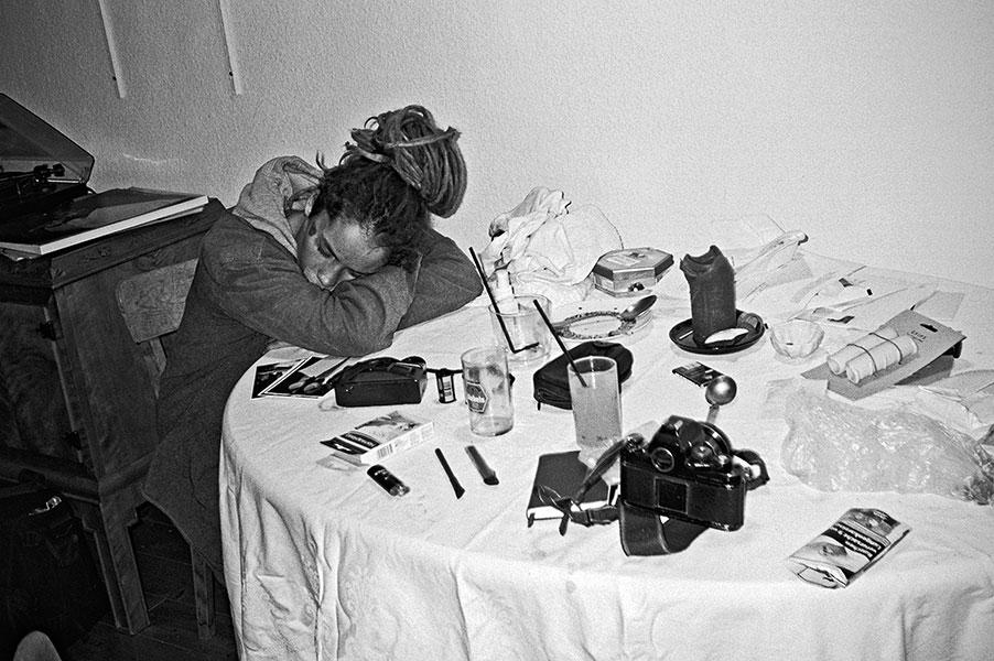 analogphotografie, compactcamera, yashica t3, party, electronic, 35mm, 35mm feed, photoblog, fotoblog, sound of düsseldorf, point and shoot, skateboard,