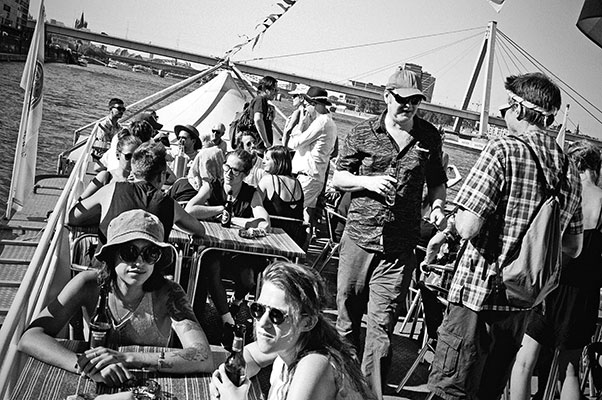 Radio Love Love, radiolovelove, köln, cologne, boatstour, musictour, dj, analogphotography, compactcamera, 35mm, 35mm feed, analogfeed, filmfeed, sunny day
