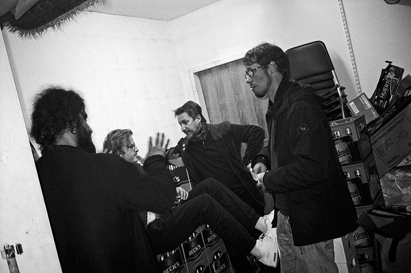 salon des amateurs, backstage, leica minilux, kodak tmax 400, tmax 400, club, düsseldorf, point and shoot, stay broke shoot film, filmfeed
