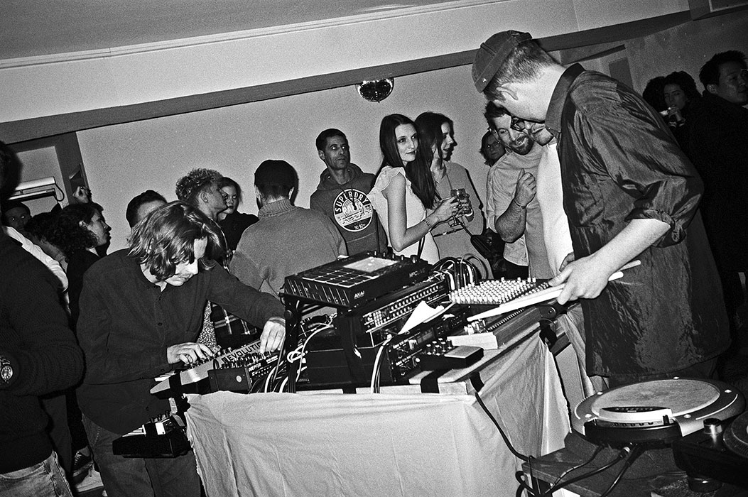 Phaserboys, Salon des Amateurs, Aki Aki, Rasputin, elektronische Musik, electronic music, sound of Düsseldorf, analog photography, analogfotografie, point and shoot, compactcamera, compactfilmcamera, 35mm, kleinbild
