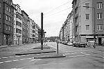 Erasmusstrasse, crossing, street, city, Düsseldorf, Corona, Covid 19, analogfotografie, Leica minilux, Kodak Tmax 400, point and shoot, analogphotography