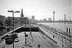 Rheinufertunnel, Joseph Beuys Ufer, Düsseldorf, analog, analogfotografie, analogphotography, Kodak Tmax 400, Leica, Leica minilux, sw, bw