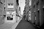 Merthensgasse, Altstadt, covid 19, Düsseldorf, analog, analogfotografie, analogphotography, Kodak Tmax 400, Leica, Leica minilux, sw, bw