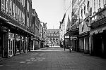 Bolkerstrasse, Altstadt, covid 19, Düsseldorf, analog, analogfotografie, analogphotography, Kodak Tmax 400, Leica, Leica minilux, sw, bw