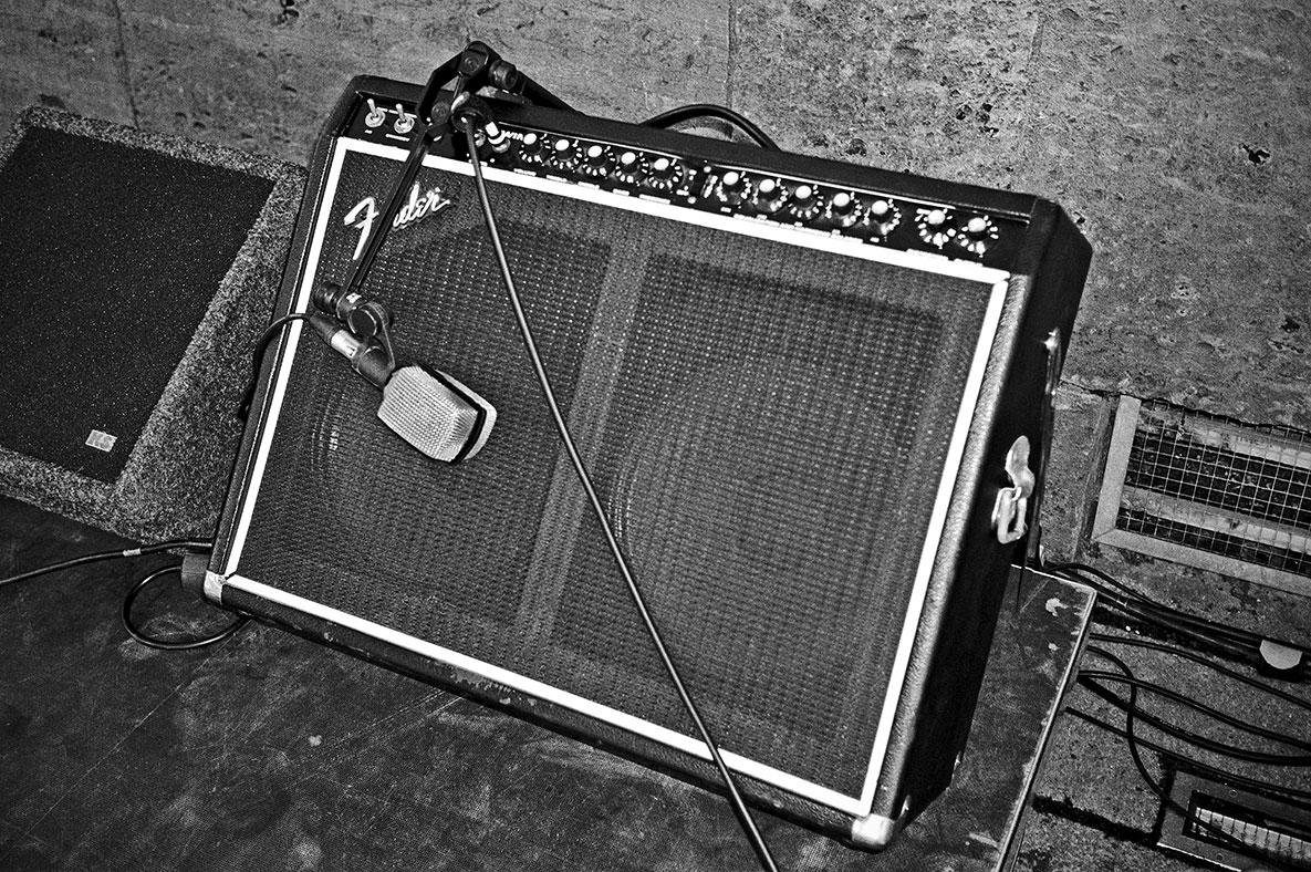 New Fall Festival, Festival, Düsseldorf, NRW Forum, Ehrenhof, Summer Edition, Fender, Analogfotografie, analogphotography, Olympus mju 2, point and shoot, stay broke shoot film, 35mm, on film black and white,