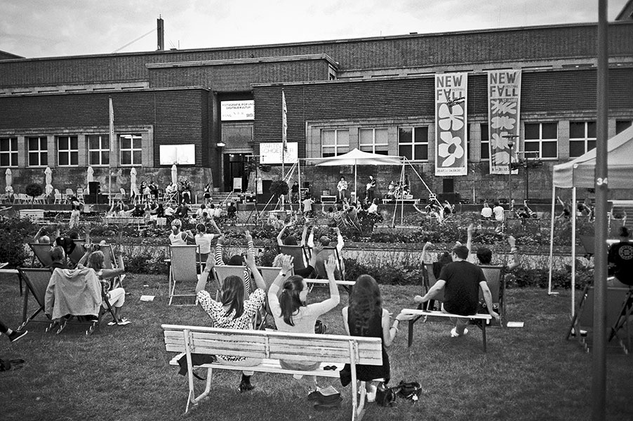 New Fall Festival, Festival, Düsseldorf, NRW Forum, Ehrenhof, Summer Edition, Analogfotografie, analogphotography, Olympus mju 2, point and shoot, stay broke shoot film, 35mm, on film black and white, Rikas