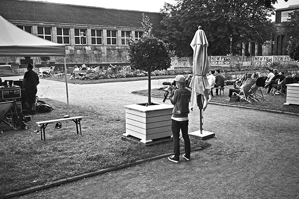 New Fall Festival, Festival, Düsseldorf, NRW Forum, Ehrenhof, Summer Edition, Analogfotografie, analogphotography, Olympus mju 2, point and shoot, stay broke shoot film, 35mm, on film black and white, FotoSchiko