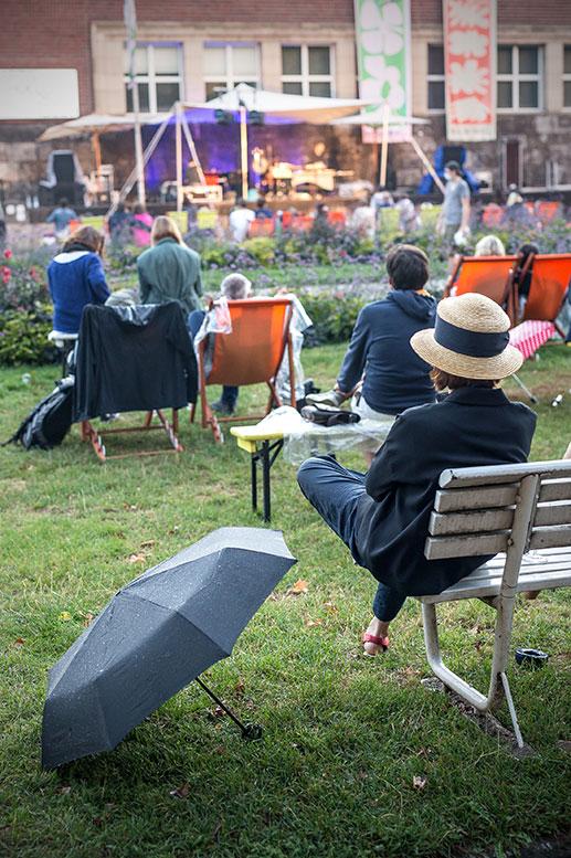 New Fall Festival, Festival, Düsseldorf, NRW Forum, Ehrenhof, Summer Edition, rain, umbrella, Regenschirm, regen