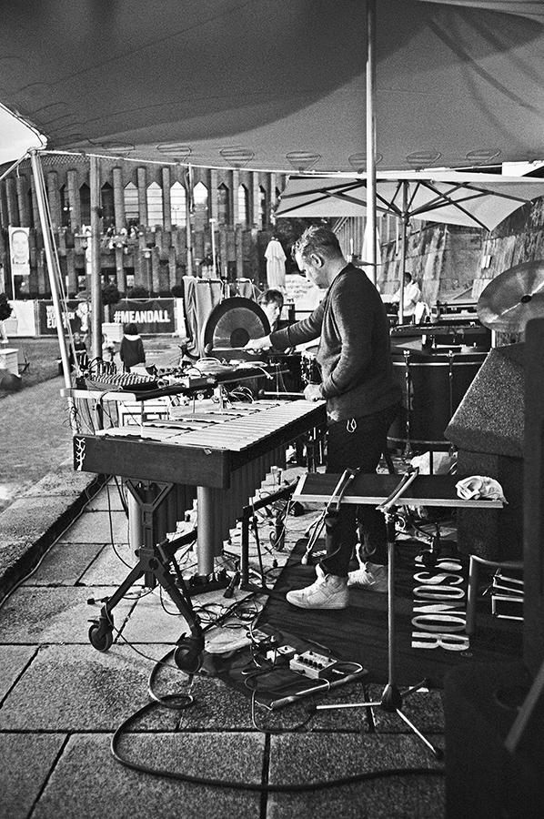 New Fall Festival, Festival, Düsseldorf, NRW Forum, Ehrenhof, Summer Edition, Analogfotografie, analogphotography, Olympus mju 2, point and shoot, stay broke shoot film, 35mm, on film black and white, Hauschka, Kai Angermann