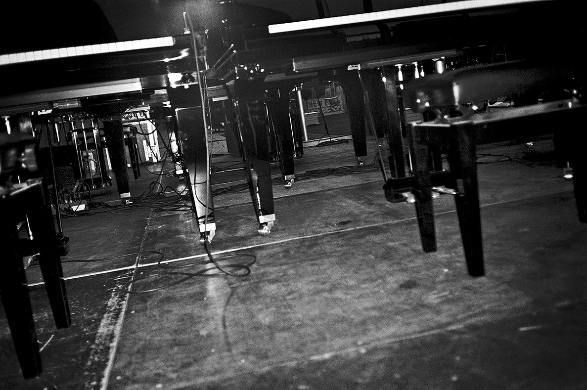 New Fall Festival, Festival, Düsseldorf, NRW Forum, Ehrenhof, Summer Edition, Analogfotografie, analogphotography, Olympus mju 2, point and shoot, stay broke shoot film, 35mm, on film black and white, Six Pianos