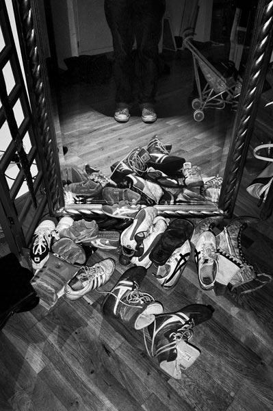 Vinnie, Aiko, shoes